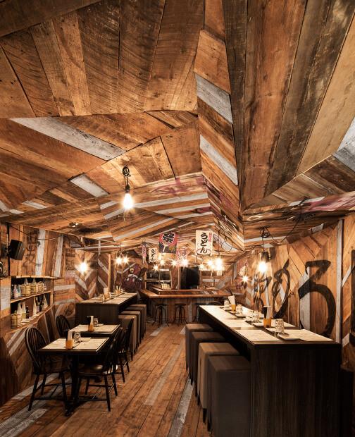 Japanese restaurant Izakaya Kinoya by Jean de Lessard - HomeWorldDesign (2)