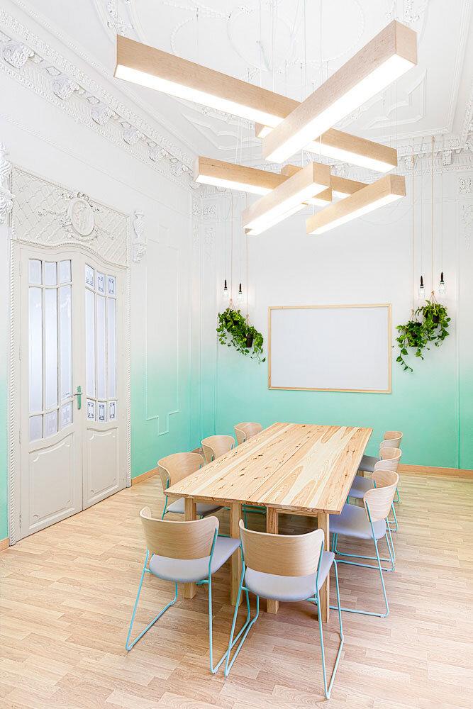 Spanish school from Valencia - interiors by Masquespacio - HomeWorldDesign (14)