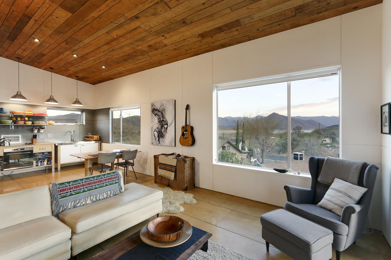 510 cabin 1000 square foot lake house by hunter leggitt - Decoracion moderna de interiores ...