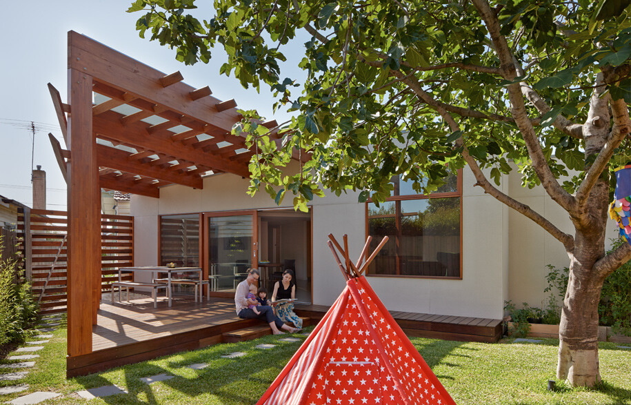 Crib & Chock House extension of residence by Windust Architects - HomeWorldDesign (11)