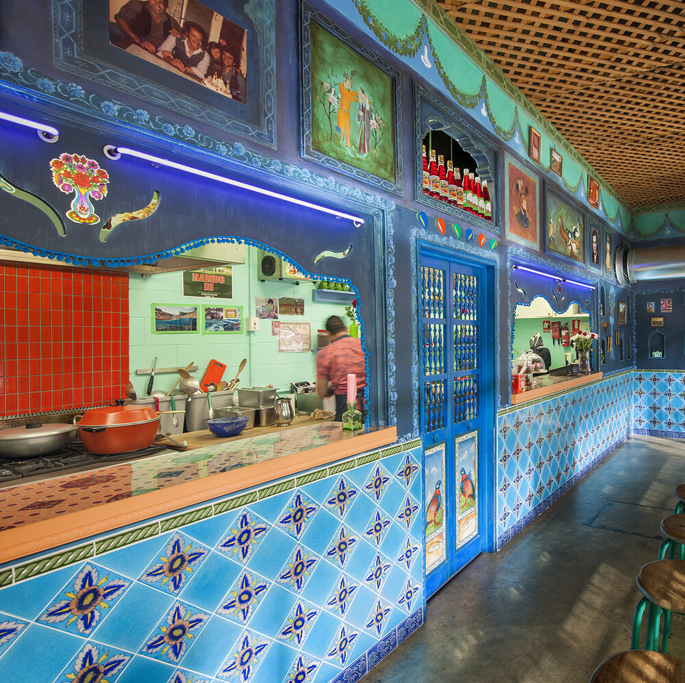 Deep blue  Lazuli and Afghan flavors: Kutchi Deli Parwana by Studio Gram