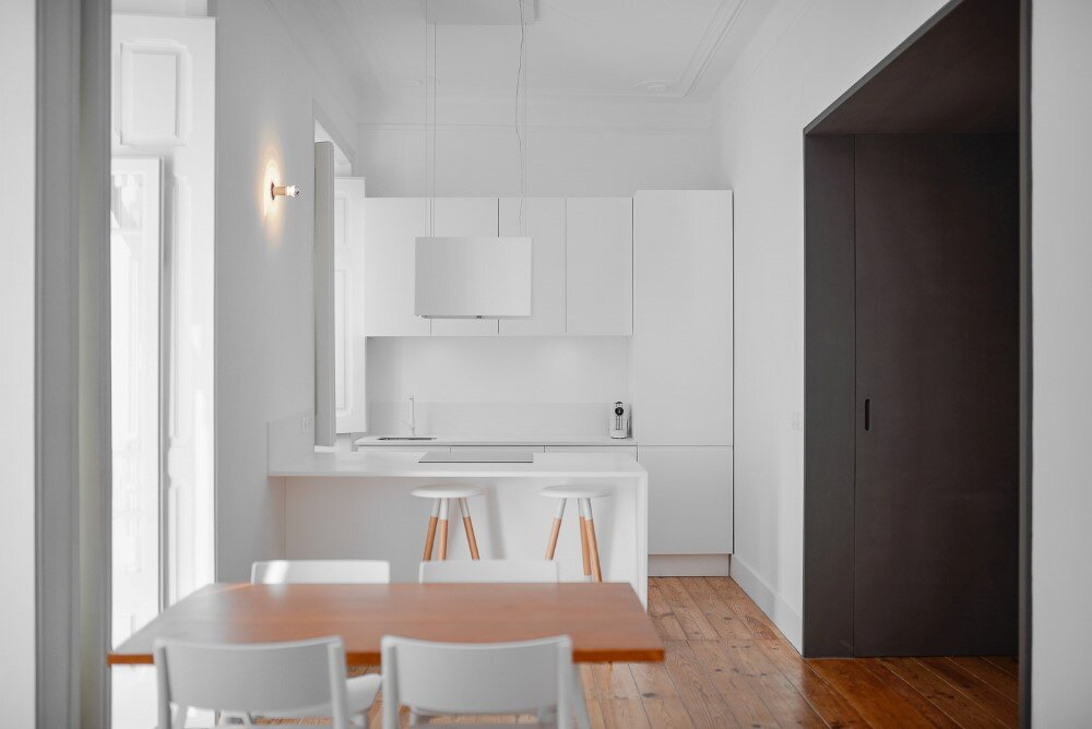 House in Mouraria minimal and modern in a historic neighbourhood in Lisbon - HomeWorldDesign (6)