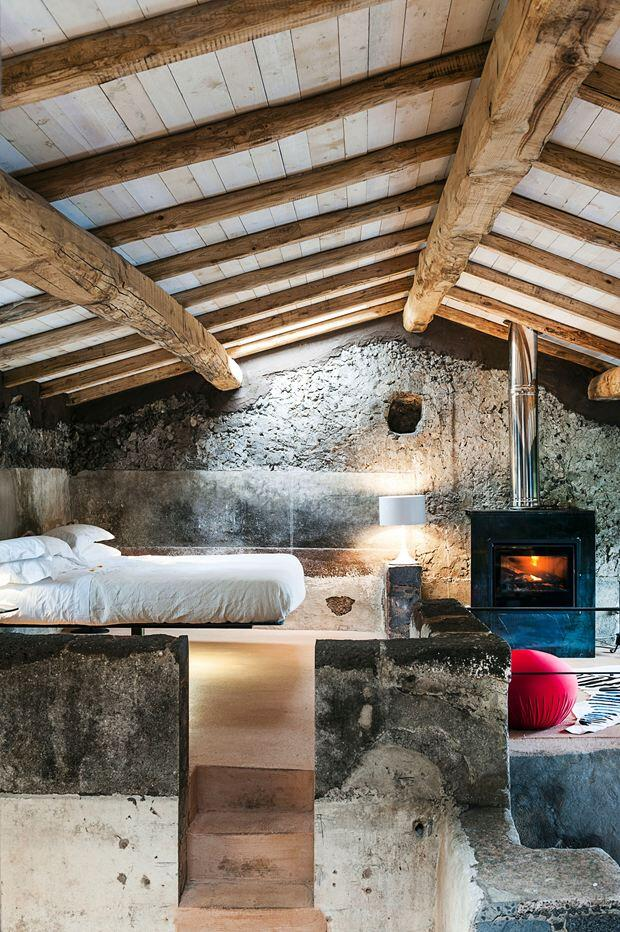 Monaci delle Terre Nere boutique hotel situated on the slopes of Mount Etna - HomeWorldDesign (19)
