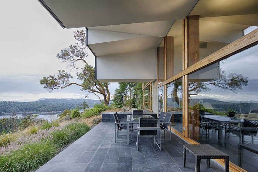 Ridge House retreat with large folding roof form - Simcic Uhrich Architects - HomeWorldDesign (5)