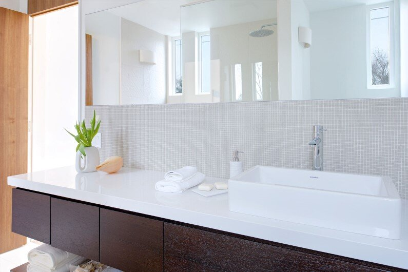 Bathroom by Studio Roundabout