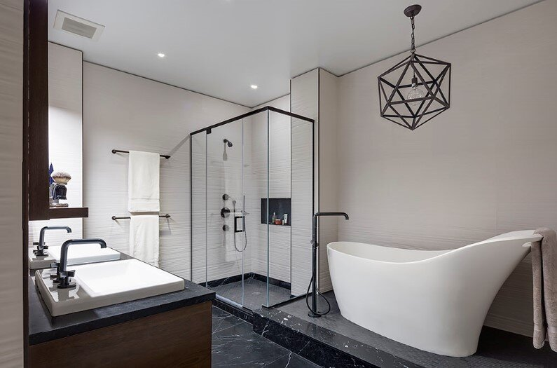 Dumbo-Residence-bathroom