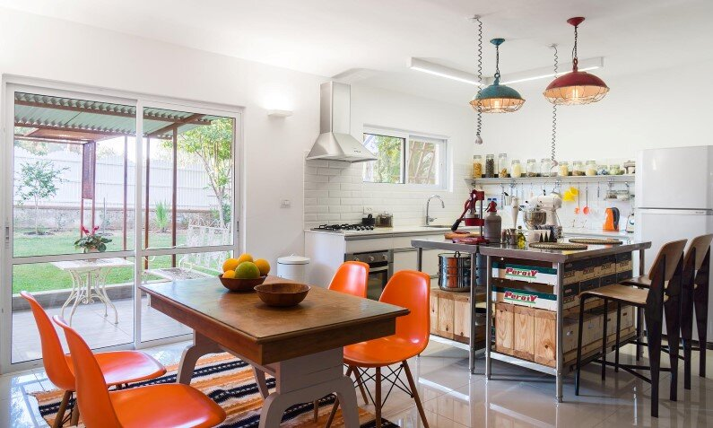 House Moshav redesigned by Rotem Guy - kitchen and dinning room