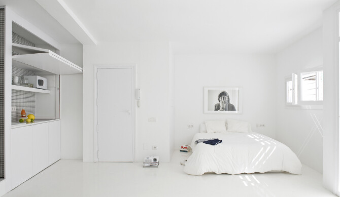 Studio CaSA proposes white everywhere