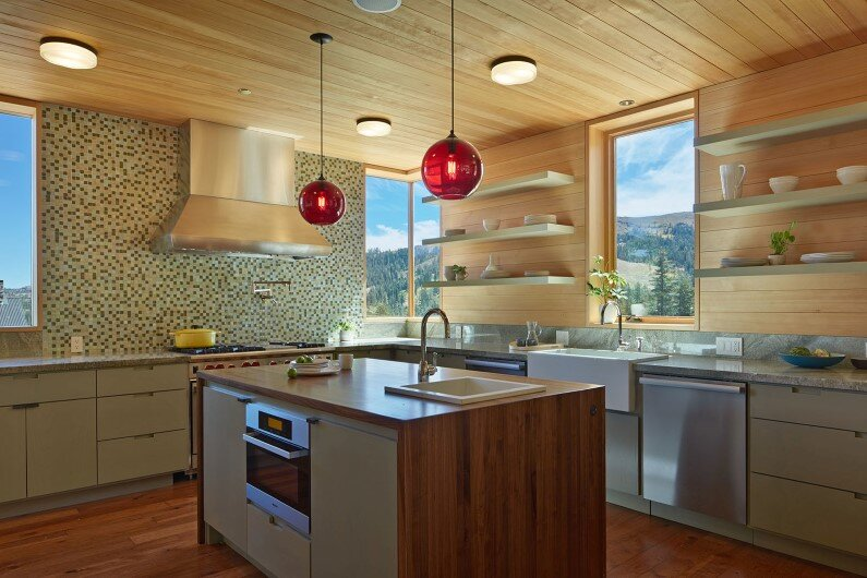 Vacation cabin in California - kitchen design