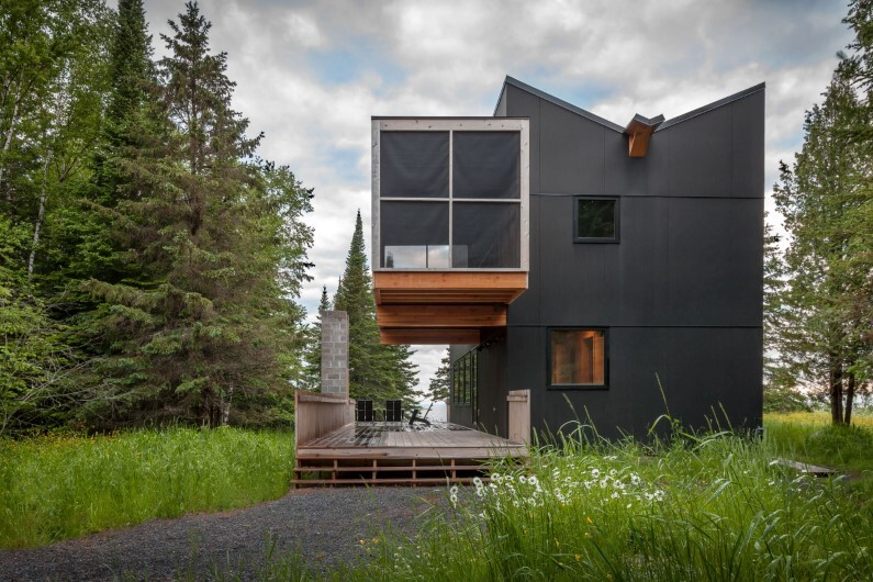 Family retreat in Minnesota by Salmela Architect