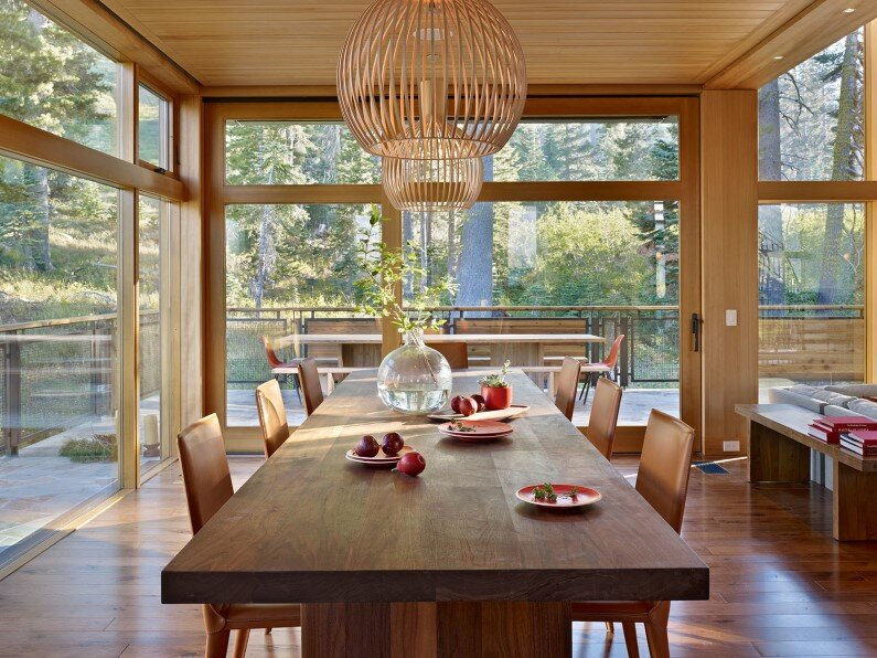 house in California -  dinning room design