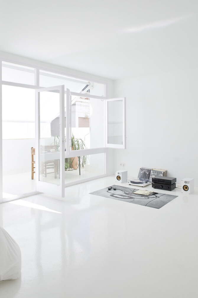 interiors - The White Retreat,