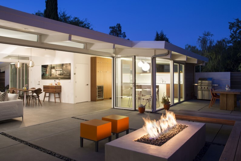 Renovated single-family house in Palo Alto -Truly Open Eichler House