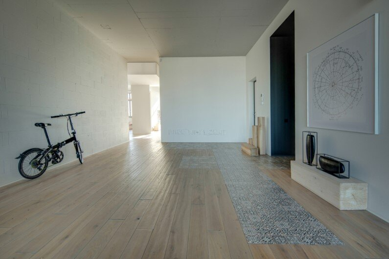 2b.GROUP architecture studio designed this apartment in 2014 in Kiev