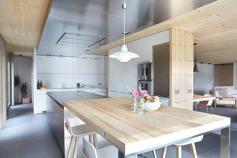 Contemporary house with wooden interior - kitchen