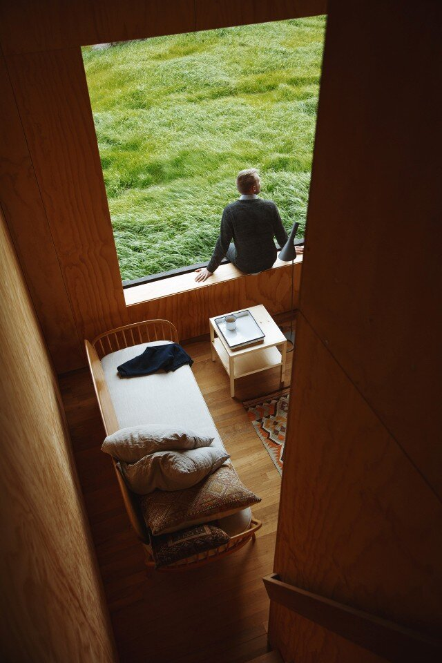 Eyrie - Cabin by Cheshire Architects - New Zealand - authentic immersion in the wild nature