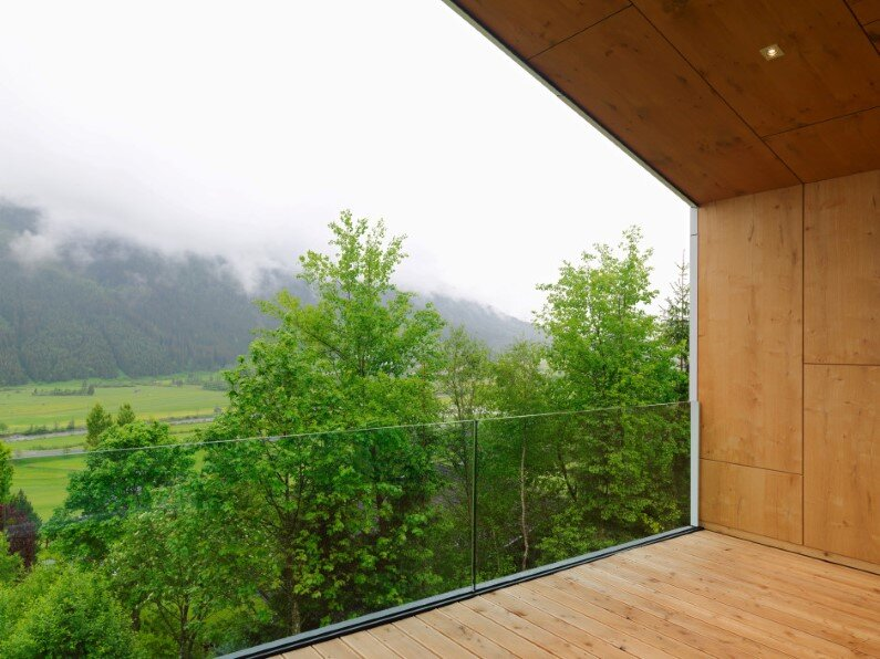 Mountain House high-quality architecture by SoNo Architects