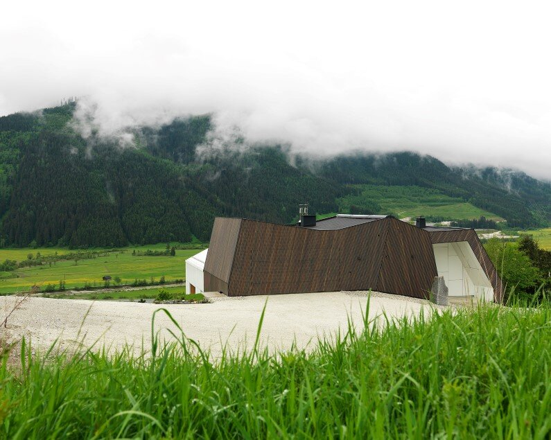 Mountain View House high-quality architecture by SoNo Architects, Austrian Alps
