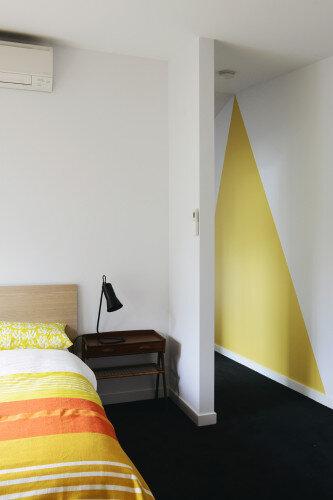 St Kilda Gable End Home by MRTN Architects