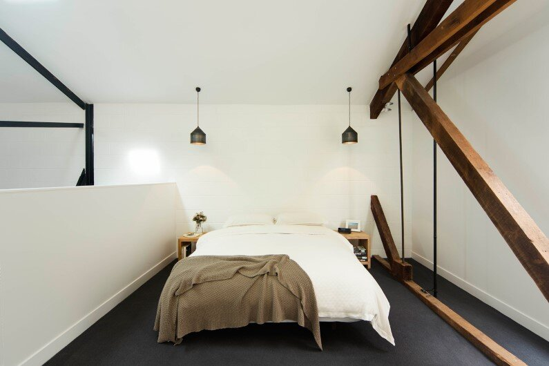 Warehouse transformed into a bright house - Regent Street Warehouse - Bedroom design