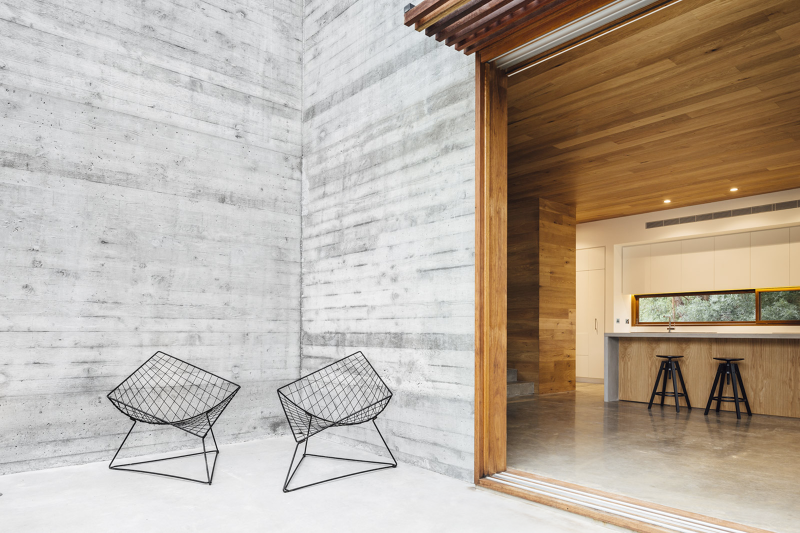 Wood and concrete -Invermay House