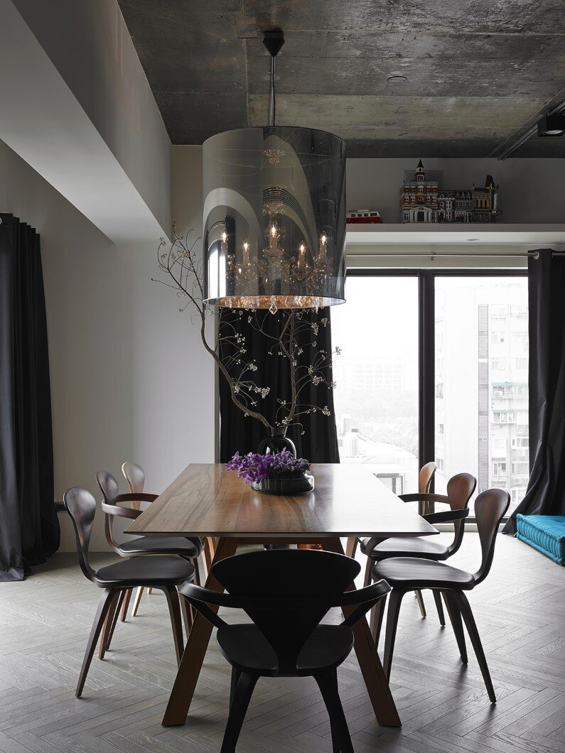 contemporary apartment - combination of elegance and industrial design