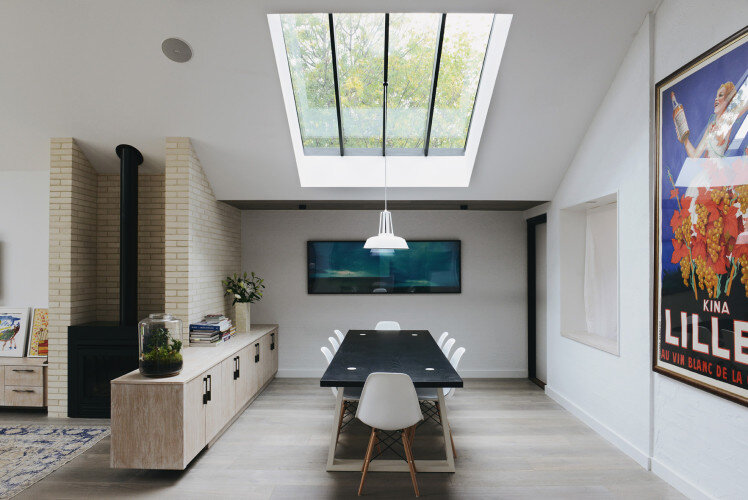 extension- House by MRTN Architects