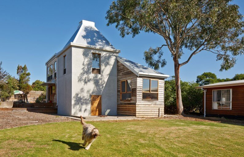 old space converted into a family beach home by Andrew Simpson Architects