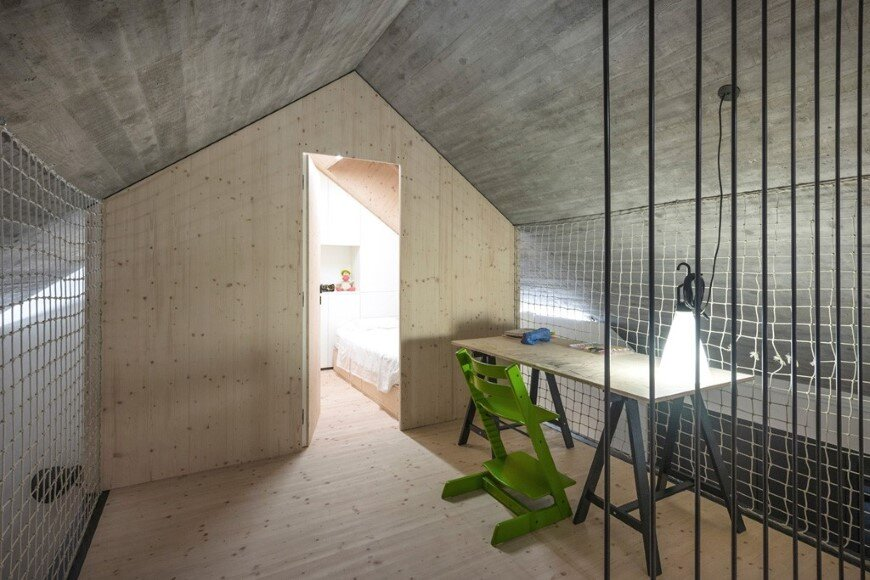 Compact Karst house redefinition of a traditional stony house (7)
