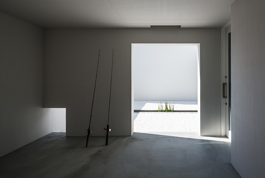 Courtyard House gives an impressive and fresh feel -  FORM  Kouichi Kimura Architects (6)