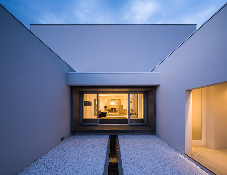 Courtyard Jigha House gives an impressive and fresh feel -  FORM  Kouichi Kimura Architects (12)