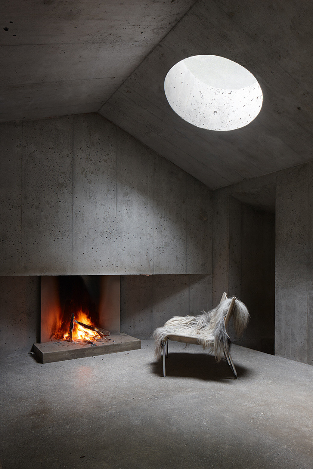 Fascinating concrete cabin in the Swiss Alps by German architecture studio Nickisch Sano Walder Architekten (3)