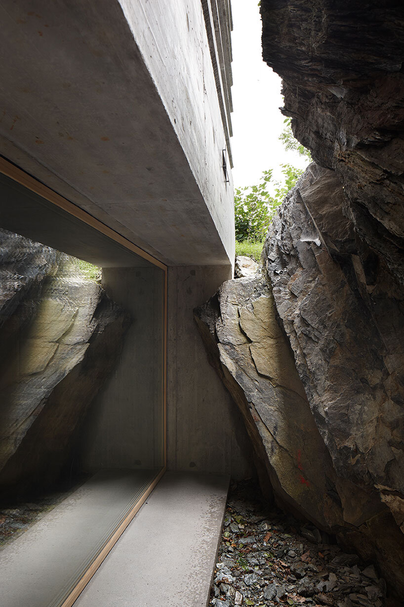 Fascinating concrete cabin in the Swiss Alps by German architecture studio Nickisch Sano Walder Architekten (6)