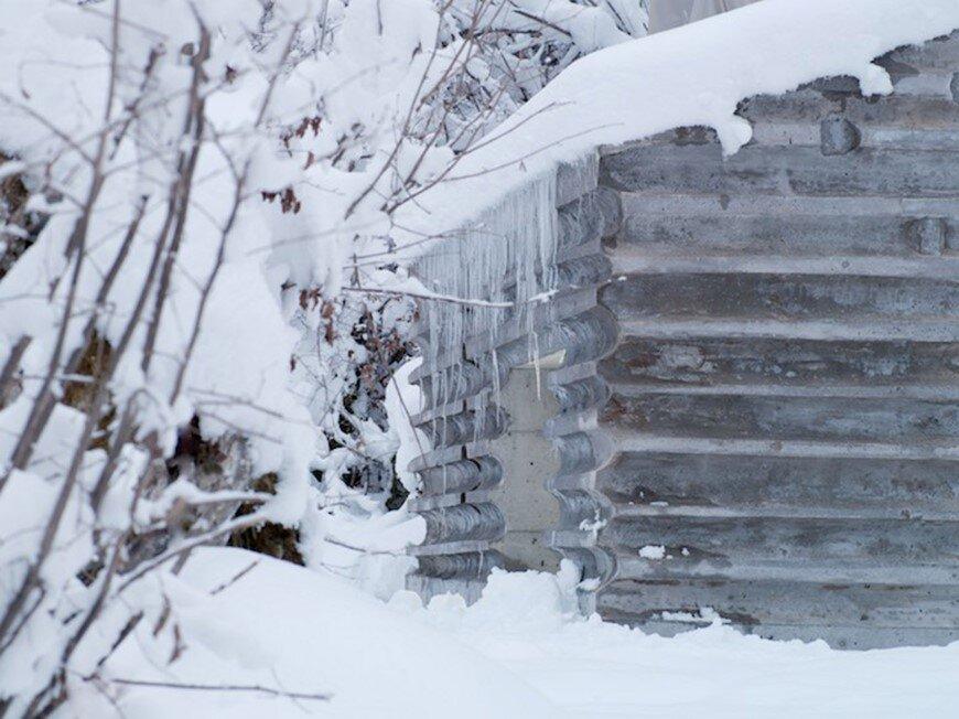Fascinating concrete cabin in the Swiss Alps by German architecture studio Nickisch Sano Walder Architekten (8)