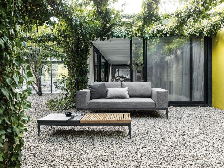 Grid - clean lines and flexible elements for cosy lounge (4)