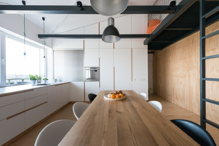 Industrial style in harmony with warm natural materials in a cozy loft by Rules Architects - Bratislava (10)