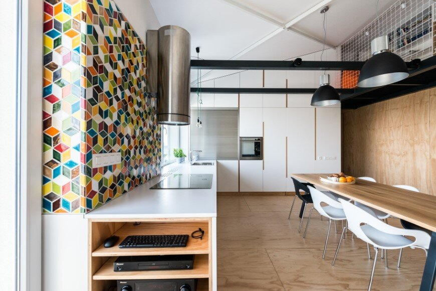 Industrial style in harmony with warm natural materials in a cozy loft by Rules Architects - Bratislava (11)