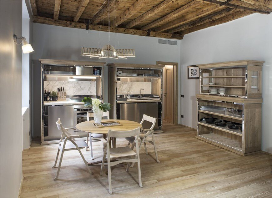 Old Milan apartment with reconditioned rustic interiors (4)