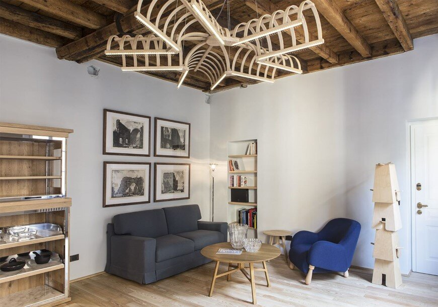 Old Milan Apartment With Reconditioned Rustic Interiors (5)