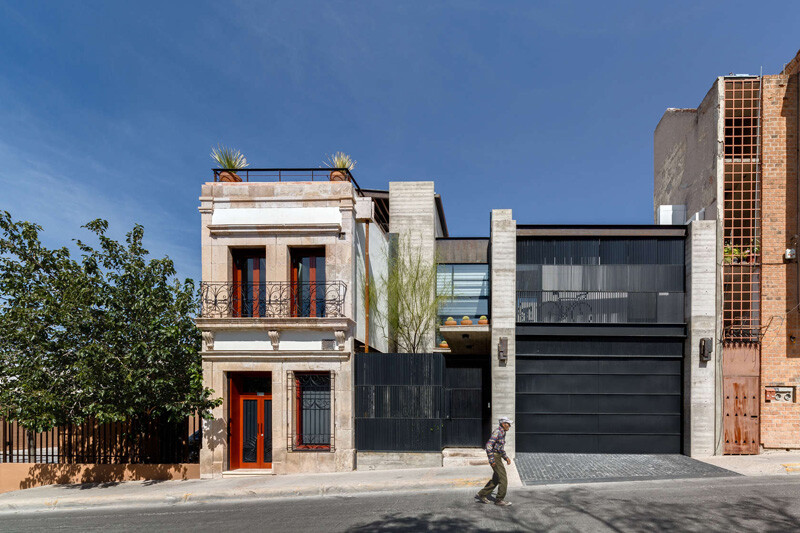 Old building transformed into a contemporary residence - Chihuahua, Mexico (1)