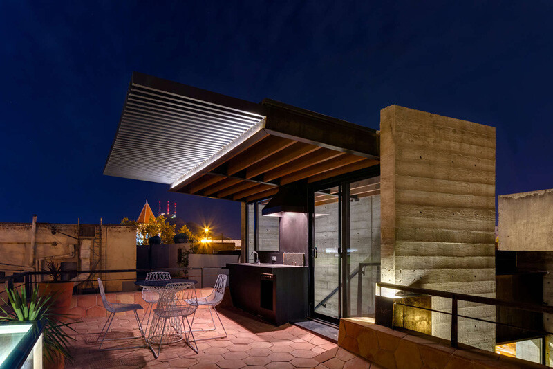 Old building transformed into a contemporary residence - Chihuahua, Mexico (16)