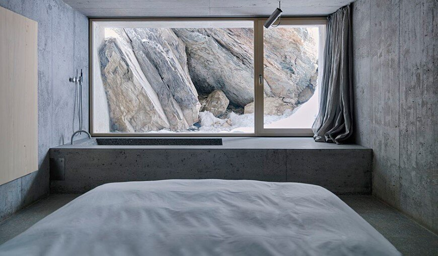 Refugi Lieptgas fascinating concrete cabin in the Swiss Alps  (3)
