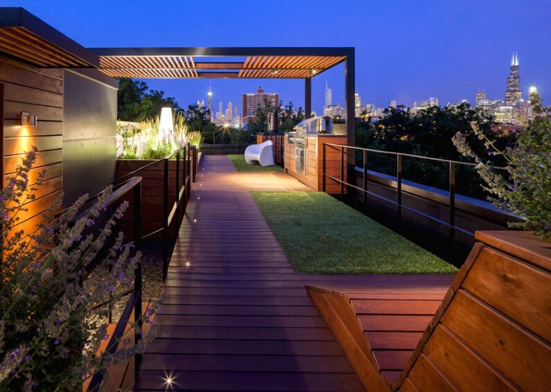 Rooftop social space designed to showcase the Chicago skyline  (4)