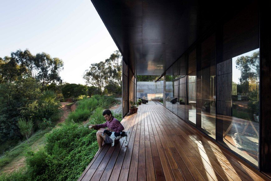 Sawmill-house-sustainable-architecture-by-reusing-waste-concrete-6-custom