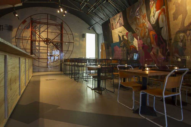 Topolski Bar celebrates the art of Feliks Topolski by B3 Designers (7)