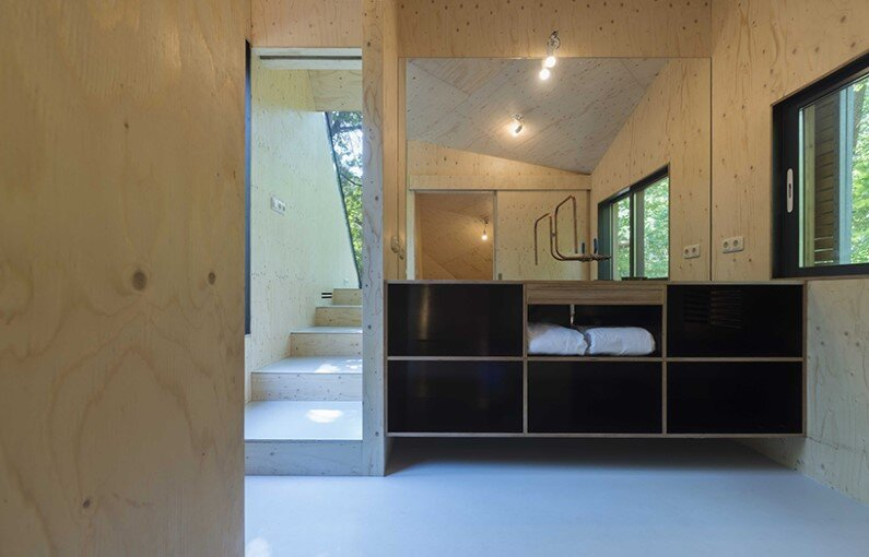 Transformation Forest House sustainable, compact and sculptural rooftop extension (6)