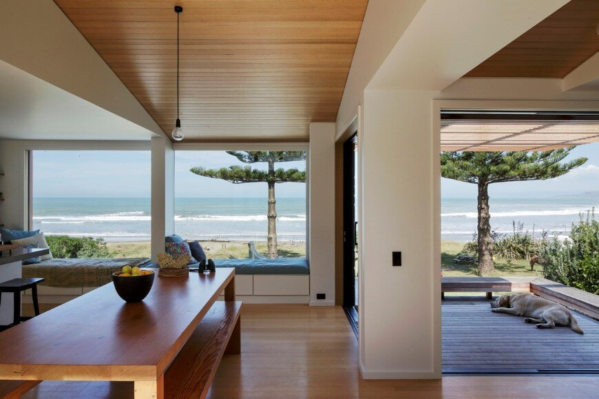 offSET Shed House is a beach house with a large opening to the sea (11)