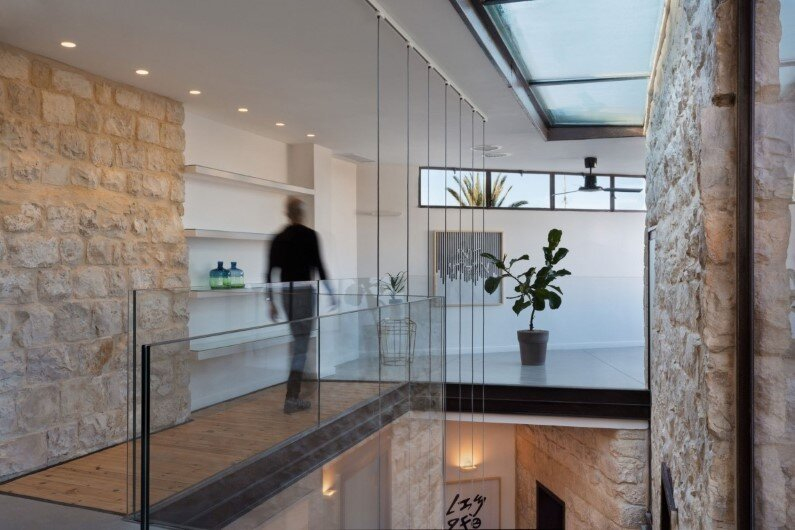 preservation and renewal of an old house in Israel by HENKIN SHAVIT Architecture & Design (4)