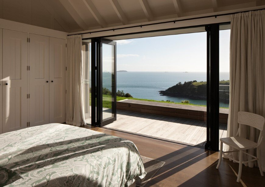 Architecture with maximum exposure to the views and seasonal rhythms - Owhanake Headland  (12)