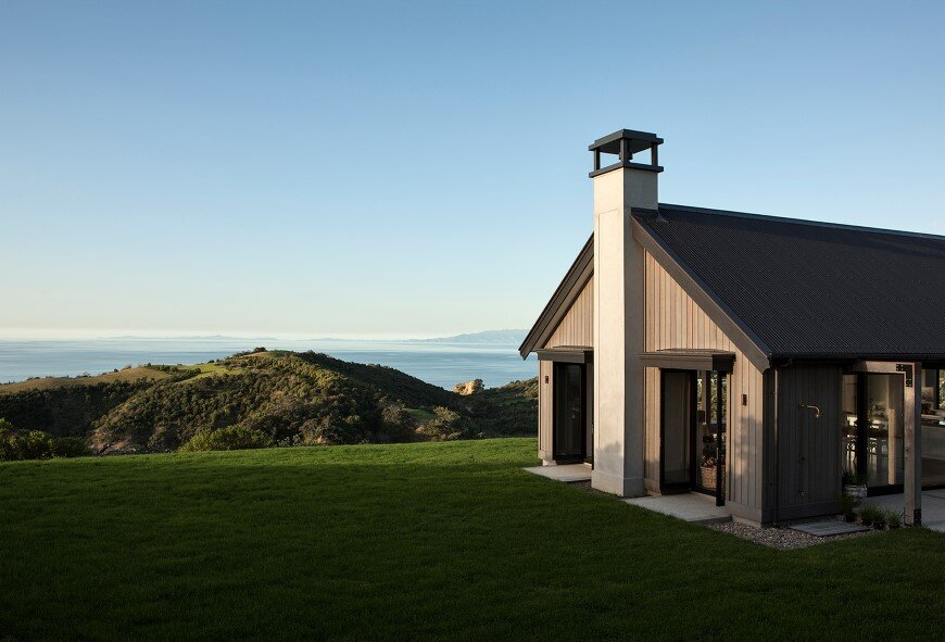 Bold architecture with maximum exposure to the views and seasonal rhythms - Owhanake Headland 3
